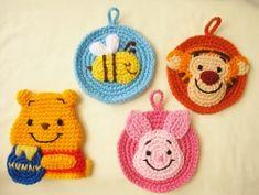 ikkoのあみぐるみ生活 作品掲載本『ディズニーの魔法のタワシ』発刊! プーさんシリーズ集合♪ Crochet Flats, Love Crochet, Diy Crochet, Crochet Toys, Crochet Keychain, Crochet Bookmarks, Crochet Earrings, Crochet Scrubbies, Crochet Disney