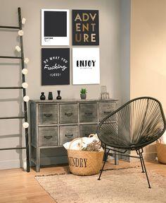Cuadros decorativos modernos en blanco, negro y dorado. #cuadros #cuadrosmodernos #cuadrosdecorativos #gallerywall #wallart