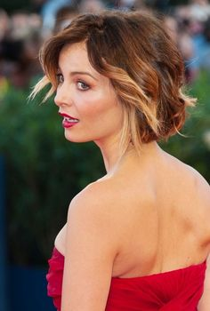 Add some blonde for summer? Violante Placido Short Ombre Hair 2014 - Ombre Hair Color Ideas