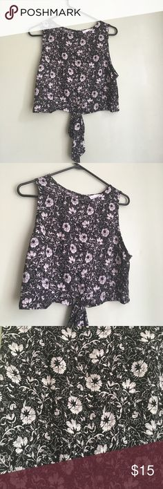 Sadie & Sage Black Floral Front Knit Top Medium Pre-loved❤️ Good used condition/ normal + minimal signs of wear. No defects.floral print. Black, white/grey flowers. Bust 38 inches. Sadie & Sage Tops