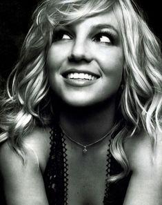 Still love her (Britney Spears)! Divas, Beautiful Smile, Beautiful People, Beautiful Women, Nice People, Beautiful Celebrities, Pretty People, Beautiful Pictures, Beyonce