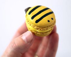 another one for you Mamata- would be so cute for spring! Edible markers would make these easy to make.