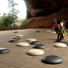 Go fans may know Quzhou for its famous giant Go board at the nearby Lanke… Baduk Game, Go Board, Future Games, Giant Games, Traditional Games, Strategy Games, World's Biggest, Best Games, Board Games