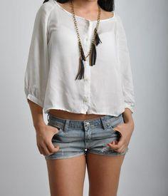 - Blusa blanca con espalda de encaje. ART:  134705-01