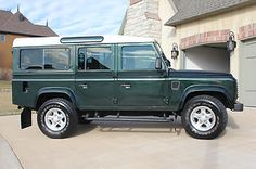 Land Rover : Defender Station Wagon in Land Rover |