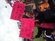 THATS MY BFF! :) Pinned by the Atlanta Braves (The Braves are behind you! Your courageous spirit is an inspiration! Fan Signs, Braves Baseball, I Will Fight, Gray Matters, Atlanta Braves, Bff, Cancer, Spirit, Passion