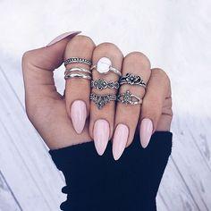 Anéis, unhas