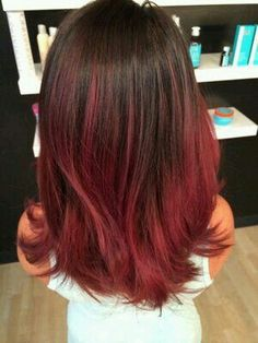 20 ideas for red ombre hair. List of red ombre hair colors. Red ombre hair color ideas for a bold new look. Best Ombre Hair, Ombre Hair Color, Hair Color Balayage, Cool Hair Color, Brown Hair Colors, Red Bayalage, Brown To Red Ombre, Dark Red, Dark Brown