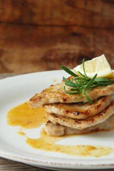 U nser heutiges Mittagessen, das sehr einfach zu machen, schnell und so gut ist!                 Zitronenschnitzel:    4 dünne Kalbsschni...