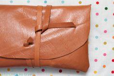 DIY : une pochette en cuir