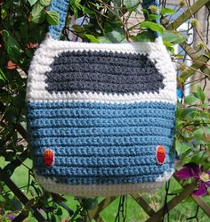 Ravelry: Crochet Pattern for a Splitty Campervan / Kombi Shoulder Bag / Purse pattern by Tracy Harrison (SnuginaDub)