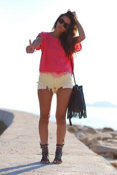 Levi's® Vintage Levi´S Shorts, Westrags Sandals, H&M Bag, H&M T Shirt