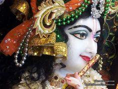 Sri Krishna Close up Wallpaper {ISKCON Chennai} For more screen resolution wallpapers visit http://harekrishnawallpapers.com