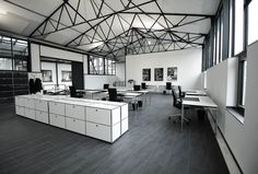 Coworking-Space, Meetings & More, Veranstaltungen Ebbtron in Solingen Coworking Space, Table, Furniture, Home Decor, Environment, Conference Room, Decoration Home, Room Decor, Tables