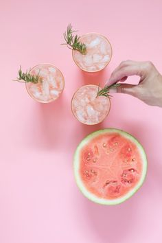 Spiked Watermelon Rosemary Punch for July (Lovely Indeed) Rosa Cocktails, Beste Cocktails, Summer Cocktails, Cocktail Drinks, Cocktail Recipes, Alcoholic Drinks, Beverages, Bartender Drinks, Healthy Cocktails