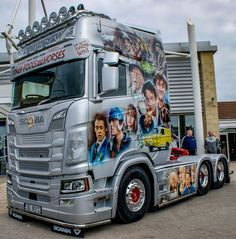 "Davidson's ""Only Fools And Horses"" Next Gen Scania - Insta Stalker Big Rig Trucks, Cool Trucks, Semi Trucks, Customised Trucks, Custom Trucks, Only Fools And Horses, Scania V8, Highway To Hell, Peterbilt 379"
