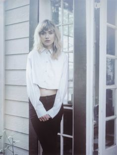 imogen poots photo shoot4 Imogen Poots Takes it Easy in So It Goes #3 Cover Shoot
