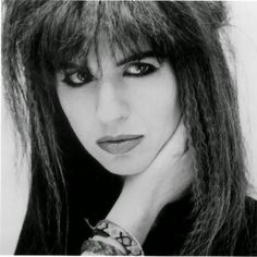 Michael Steele bassist for The Bangles. Susanna Hoffs got all the attention but Michael was my favorite. Susanna Hoffs, Michael Steele, Eternal Flame, Cult, Pop Rock Bands, 80s Music, Music Pictures, Pop Rocks, Female Singers