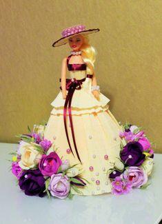Gallery.ru / Фото #22 - Куклы с конфетами. - marinashramko Edible Crafts, Diy Crafts, Always Coca Cola, Chocolate Bouquet, Fairy Dolls, Food Items, Scarf Styles, Barbie Dolls, Candy