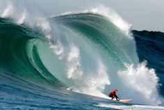 Mavericks Surf competition.... would love to see this !!! def on my  bucket it list