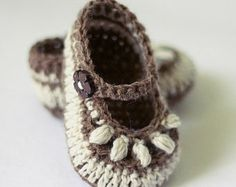 Crochet PATTERN Sorrento Slippers by monpetitviolon on Etsy