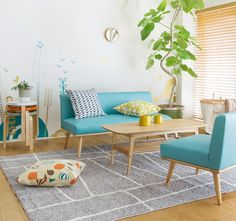 Cute Living Room Decor and Indoor Plant Ideas with Bright Blue Sofa Cute Living Room, Elegant Living Room, Living Room Green, New Living Room, Living Room Sofa, Living Room Interior, Home Interior, Living Room Decor, Wood Furniture Living Room