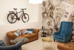 Sala VIP Bianchi Café & Cycles, Milán, Italia Sala Vip, Minimal Design, Minimalism, Shabby, Lounge, Couch, Living Room, House Styles, Modern