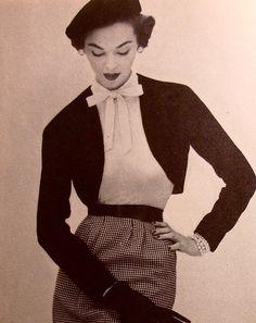 Wie war Mutti bekleidet? Diese Mode zu Beginn der 50er Jahre und andere findest Du unter 1940.unserjahrgang.de