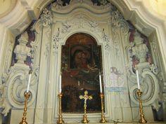 La chiesa di San Vito a Castrì di Lecce (provincia di Lecce), dedicata al protettore del paese, fu totalmente ricostruita nel 1734 e il 1772. L'interno, a croce latina, ospita pregevoli altari in pietra leccese sormontati da tele di pregio artistico.
