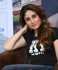 Kareena kapoor Bollywood Theme, Bollywood Stars, Bollywood Actress, Bollywood Quotes, Randhir Kapoor, Kareena Kapoor Khan, Karena Kapoor, Heena Khan, Celebrity Stars