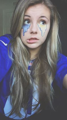 Football, face paint, Super Bowl … Face Painting Designs, Body Painting, Football Face Paint, Eye Black Designs, Homecoming Week, Homecoming Spirit, Spirit Day Ideas, Fred Instagram, School Spirit Days