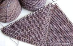 The Matilda scarf by Une Chicken à petits pas Knitting Stiches, Baby Knitting, Knitting Patterns, Knitted Shawls, Knitted Blankets, Creative Knitting, Couture Sewing, Shawl Patterns, Tricot Crochet