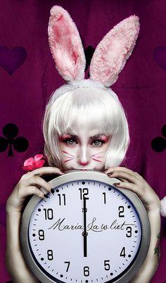 White Rabbit | Flickr - Photo Sharing! White Rabbit Makeup, Bunny Makeup, Zombie Makeup, Halloween Makeup, Halloween Crafts, Halloween Ideas, Halloween Alice In Wonderland, Alice In Wonderland Rabbit, Rabbit Halloween