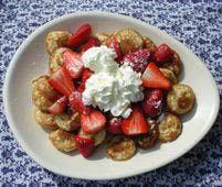 Dutch Pancake Puffs (Poffertjes) with Strawberries & Cream