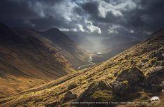 Peering into Glen Etive valley