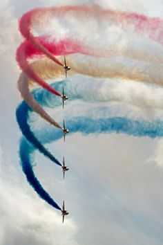 Flight shows have always intrigued me Those planes really are an extension of their bodies to be able to do these kind of things Raf Red Arrows, Let Freedom Ring, Blue Angels, Jet Plane, Royal Air Force, Air Show, Military Aircraft, Fourth Of July, Jets