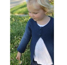 Dash is a timeless classic, and can be a cropped sweater or a full length cardigan.This works on boys or girls.Sizes- 0-3 months (3-6 months, 6-12 months, 12-18 months, 18-24 months, 2-4T, 4-6 years, 6-8 years, 8-10 years)Dash is knit top down, with a 2 button closer, but can easily be made with buttons down the front.You have 2 sleeve options and 2 body lengths options.Suitable for Sport, DK or Worsted. Yarn weight Worsted / 10 ply (9 wpi) ?Gauge 20 stitches = 4 inchesNeedle size US 6 - 4.0…