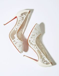 Ideas Heels Wedding Jimmy Choo For 2019 Christian Louboutin Red Bottoms, Louboutin High Heels, Christian Louboutin Outlet, Wedding Heels, Jimmy Choo Shoes, Fashion Looks, Fashion Heels, Trendy Shoes, Bridal Shoes
