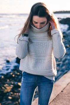 Everyone needs a beige chunky knit sweater for winter | Prosecco & Plaid, January 2016