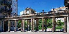 Berlin Karl-Marx-Allee, Uhrenkolonnaden