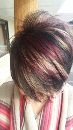 Violet and blondes. Hair Color And Cut, Haircut And Color, Cool Hair Color, Short Hair Cuts For Women, Short Hair Styles, Short Choppy Hair, Hair Color Auburn, Relaxed Hair, Hair Highlights