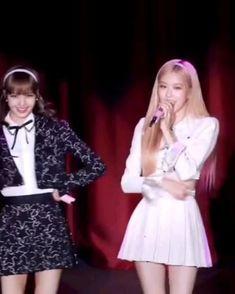 Black Pink Songs, Black Pink Kpop, Blackpink Fashion, Winter Fashion Outfits, Korean Girl, Asian Girl, Pink Movies, Blackpink Poster, Kpop Gifs
