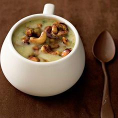Gingered sweet-potato soup with soy cashews Potato Vegetable, Vegetable Side Dishes, Ginger Soup Recipe, Healthy Living Recipes, Healthy Food, Veg Soup, Roasted Cashews, Sweet Potato Soup, Canned Coconut Milk
