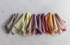 Como fazer guardanapos de tecido diy com franja? Vem ver o tutorial!