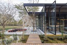 Gallery of Ixi'im Restaurant / Central de Proyectos SCP + Jorge Bolio Arquitectura + Mauricio Gallegos Arquitectos + Lavalle / Peniche Arquitectos - 2