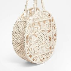 - What a cool Macramé tote bag.Do you need one? in Tanguy Stradivari store. You can buy metal rings for frame and the luxry Macramé braid cord… Macrame Rings, Macrame Purse, Macrame Cord, Macrame Knots, Macrame Design, Macrame Projects, Macrame Patterns, Knitted Bags, Handmade Bags