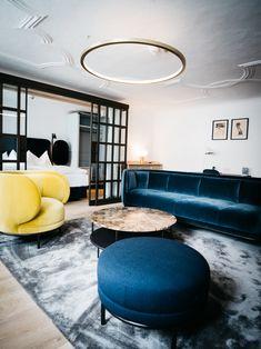 Vuelta @ Blaue Gans Salzburg Photo: Ingo Pertramer Luxury Furniture, Furniture Design, Orchard Road Singapore, Thats The Way, Salzburg, Furniture Companies, Contemporary Decor, Living Room Decor, Architecture Design
