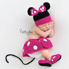 Baby crochet outfits pattern minnie mouse 37 New ideas Newborn Crochet Patterns, Baby Patterns, Crochet Baby, Drops Baby, Minnie Mouse Costume, Mickey Mouse, Foto Baby, Newborn Photography Props, Baby Costumes