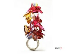 If It's Hip, It's Here: A Handful Of Art. Rockin' Rings From The Klimt02 Gallery Exhibit In Barcelona.