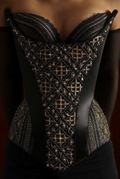 Corset - wowwee this is pretty  www.pinterest.com/wholoves/corsets  #corsets